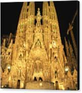 Night View Of Antoni Gaudis La Sagrada Canvas Print