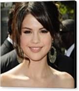 Selena Gomez At Arrivals For 2009 Canvas Print