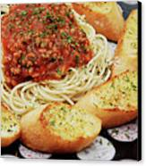 Spaghetti And Meat Sauce With Garlic Toast  Canvas Print by Andee Design