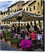 Square Amphitheater In Lucca Italy Canvas Print by David Smith