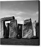 Stonehenge No 1 Bw Canvas Print by Kamil Swiatek