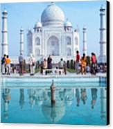 Taj Mahal  Canvas Print by Nila Newsom