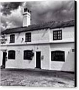 The Weavers Arms, Fillongley Canvas Print