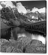 0166 Moraine Lake Canvas Print