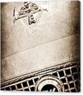 1960 Nash Metropolitan Hood Ornament - Grille Emblem Canvas Print