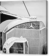 Mercedes-benz Grille Canvas Print