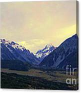 Sunrise On Aoraki Mount Cook In New Zealand Canvas Print