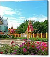 Wat Tha Sung Temple In Uthaithani-thailand Canvas Print