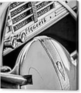 1940 Plymouth Deluxe Woody Wagon Steering Wheel Emblem -0116bw Canvas Print