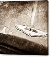 1957 Aston Martin Db2-4 Mkii Emblem Canvas Print