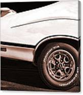 1972 Oldsmobile Cutlass 4-4-2 Canvas Print