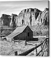 Horse Barn In Fruita Utah Canvas Print