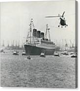 Queen Mary Leaves Southampton On Last Voyage Canvas Print