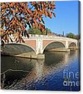 The River Thames At Hampton Court London Canvas Print