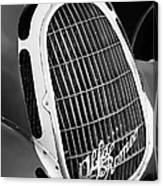 1935 Alfa Romeo 8c-35 Grille Emblem -0006bw Canvas Print