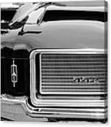 1972 Oldsmobile 442 Grille Emblem Canvas Print