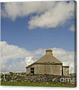 Abandoned Farm In Ireland Canvas Print
