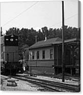 760 Passing The Yard House Bw Canvas Print