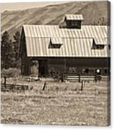 A Barn Near Ellensburg Wa Bw Canvas Print