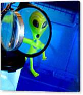 Alien Discovers A True Passion For Legitimate Musical Theatre And Belting Showtunes Canvas Print