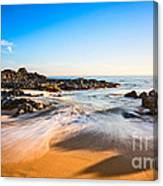 Beach Paradise - Beautiful And Secluded Secret Beach In Maui. Canvas Print