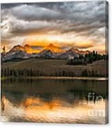 Beautiful Sunrise On Little Redfish Lake Canvas Print