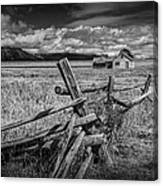 Black And White Photo Of A Wood Fence At The John Moulton Farm Canvas Print