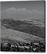 Black And White San Francisco Peaks Over Glassford Hill Canvas Print