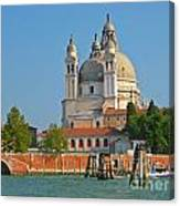 Boating Past Basilica Di Santa Maria Della Salute  Canvas Print