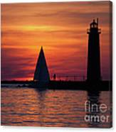 Boats Entering The Channel At The Muskegon Lighthouse Canvas Print
