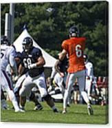 Chicago Bears G Matt Slauson Training Camp 2014 02 Canvas Print