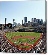 Chicago Cubs V Pittsburgh Pirates Canvas Print
