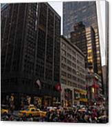 Christmas Shopping On The World Famous Fifth Avenue Canvas Print