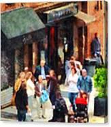 Crowded Sidewalk In New York Canvas Print