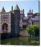 De Haar Castle And Moat Canvas Print