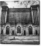 Detroit's Abandoned Michigan Central Train Station Depot In Black And White Canvas Print