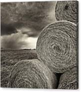 Distant Thunderstorm Approaches Hay Bales E90 Canvas Print