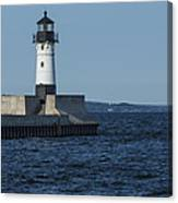 Duluth N Pier Lighthouse 40 Canvas Print