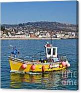 E201 Coming Into Harbour Canvas Print