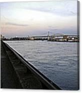 East River Vista 1 - Nyc Canvas Print