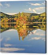 Fall Landscape On Flying Pond In Vienna Maine Canvas Print