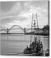 Fisherman At Newport Bay In Oregon Canvas Print