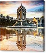 Fontana Et Enchantee Canvas Print