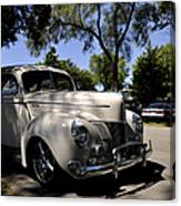 Ford Deluxe Canvas Print