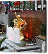 Fountain And Prometheus - Rockefeller Center Canvas Print
