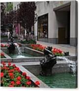 Fountain At Rockefeller Center Nyc Canvas Print