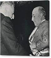 General Franco Decorated. Receives Garsnd Of The Omeyas - Canvas Print