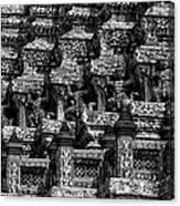 Giant Statues In Wat Arun Canvas Print