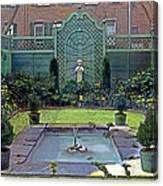 Green Retreat Canvas Print