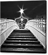 Ha'penny Bridge Steps - Dublin - Black And White Canvas Print